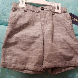 Toddler size shorts size 2T 3 pair bundle plus Tee